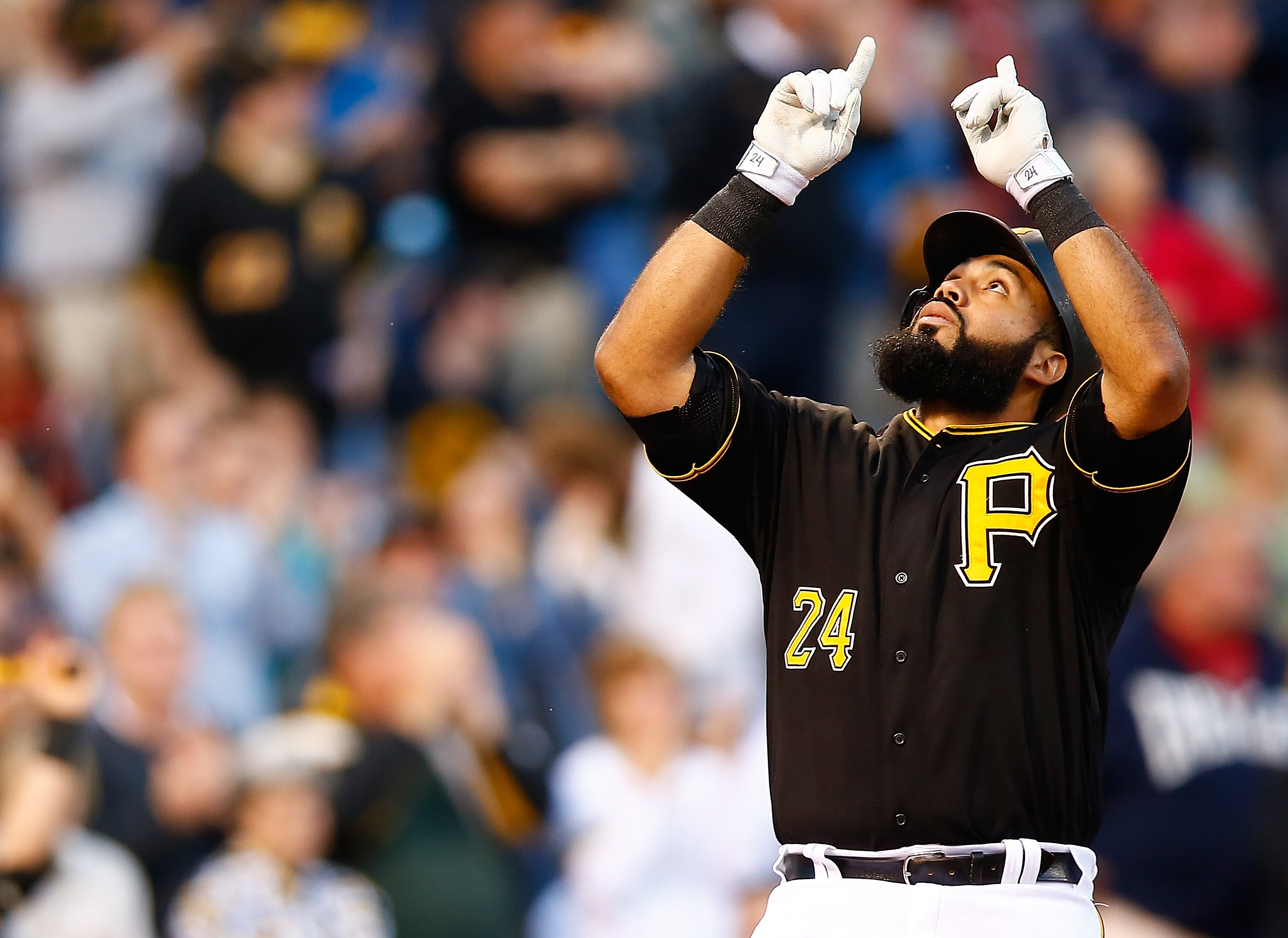 Pedro Alvarez Smashes a HR Into the Allegheny